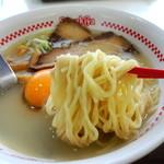 スガキヤ - 2015年1月31日(土) プレミアムラーメン(390円) 麺リフト