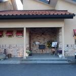 風見鶏 - 2015.01 オシャレな喫茶店です。JR武豊線沿いの西側の通り石浜と諸川の中間あたりにあります。