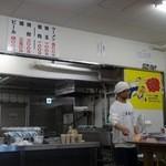 元祖長浜屋 - 厨房