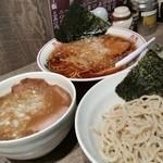 アメミ屋 - 「ラーメン (500円)」「チャーシューつけ麺 (950円)」