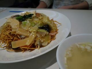 精華苑 - 五目かたやきそば(¥720)この醤の味わいは素晴らしい