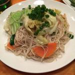 沖縄酒場 チバリヨー!今帰仁 - 麺をちょっと固めにしてて、味付けも最高〜。他の店で食べたソーミンチャンプルーよりも美味しかったです!