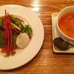 34688498 - 15.01.28 ミニガーデンサラダ・本日のスープ(パスタコース1000円)