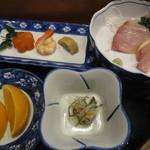 姫松屋 - カンパチの刺身、なます、しのだ巻・海老・人参の炊いたん、オレンジ