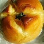 34697674 - たまごパン 118円
