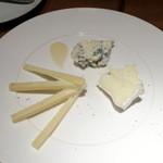 チェイスコ - チーズ盛り合わせ700円+税