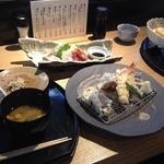 旬の素材レストラン Fuji - 天ぷら定食(1000円)+お刺身定食(1100円)