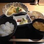旬の素材レストラン Fuji - 定食(ごはん・お味噌汁・和え物・だし巻きと煮物・お漬物)