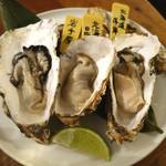 海麦酒 - 「生牡蠣盛合せ」(厚岸産、昆布森産、岩手産の3種類)
