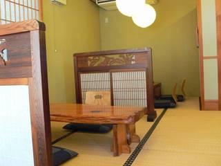 なかむら - テーブル席