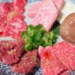 黒毛和牛一頭買い 炭火焼肉専門店 闇市ジョニー - 和牛肉盛合せ【2015年1月】