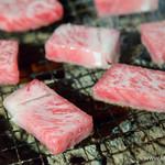 黒毛和牛一頭買い 炭火焼肉専門店 闇市ジョニー - 特上リブロース【2015年1月】