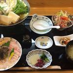 34705100 - 新湊紅白丼