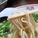 中華そば めんいち - 麺はこんな感じ 中太太麺って感じ 2玉ぎっしり