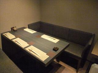 喰心-meat Dining- - 落ち着ける角っこの席