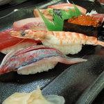 お好み食堂 蘭 - にぎり寿司 アップ
