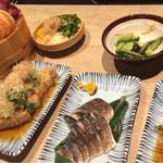 34710567 - 夜 〆鯖と厚揚げ豆腐と…