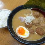 らーめんの波平 - 料理写真:醤油ちゃーしゅーめん 700円 + 大盛 100円