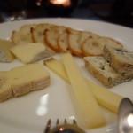 34712139 - チーズ盛り合わせ