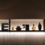 エンゾ パステリア - 飾り棚は一段だけに・・