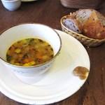 ル・シァレ - スープとパンのセット