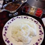 横浜かをり - カレーセット(サラダ・コーヒーor紅茶付) 1050円
