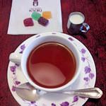 横浜かをり - セットの飲み物(紅茶にミルク)