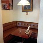 横浜かをり - 一番小さいソファー席
