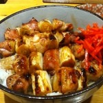 ごじゃまる - 焼鳥丼750円