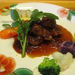 旬洋膳 椿 - 豚肉のオイスター赤ワイン煮込み