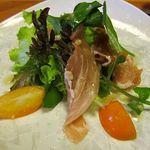 旬洋膳 椿 - 生ハムと金柑のサラダ