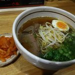 六盛 - 温麺:小800円、大1000円