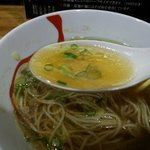 六盛 - チー油の利いたスープ