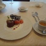 KIHACHI ITALIAN - 2015 バレンタインメニュー: 熱々フォンダンショコラと苺のジェラード、エスプレッソ