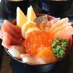 ココット - 料理写真:海鮮丼