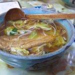 玉蘭 - 豚角煮あんかけ麺。巨大な豚角煮がとろとろで美味しいですよ。