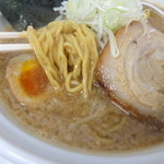 嘉門 - 醤油ラーメンの麺