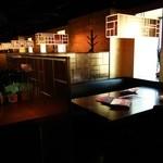 焼肉トラジ - 半個室型のテーブル席の様子~♪(^o^)丿