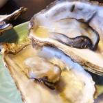 34745323 - 季節の貝(牡蠣)