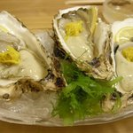 助六 - 「殻付き牡蠣酢」