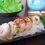 大陸食道 - 骨抜き豚足「とんそくロール」。極上コラーゲンをお箸で!