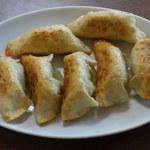 清川食堂 - 料理写真:揚げ餃子。何故か万年餃子という呼称。