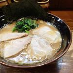 笑の家 - 特上大判チャーシュー麺(1,230円)