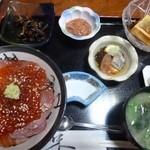 銀泉 - いくら丼&あんきも豆腐