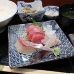 銀座 菊正 - お刺身 1450円。