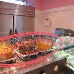 花畑牧場カフェ 生キャラメル&アイスクリーム - ホットの甘~いソース達です