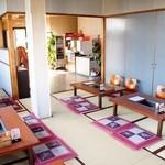 サヤ川 - 座敷席