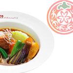 イエローカンパニー - 野菜もたっぷりで角煮の甘みとスープの辛みのコラボ