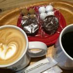 デン デン コーヒー - 可愛いカフェラテといいお味のグァテマラコーヒー