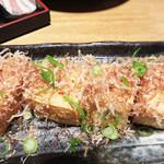 大衆居食家 しょうき - 荒木豆腐店の純厚揚げ290円。